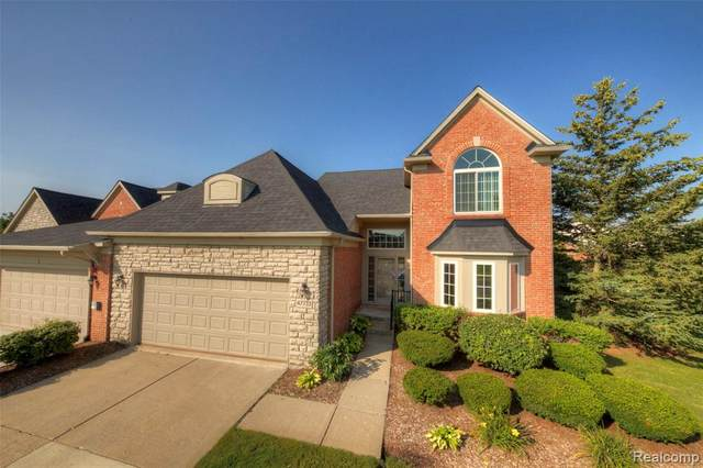 47733 Vistas Circle Drive N, Canton Twp, MI 48188 (#2210060853) :: BestMichiganHouses.com