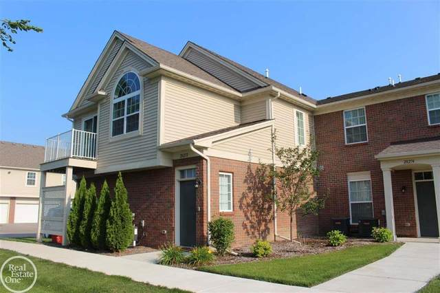 28272 South Pointe Lane, Chesterfield Twp, MI 48051 (#58050049840) :: The Alex Nugent Team | Real Estate One