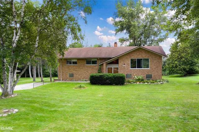 8300 Waschull, Washington Twp, MI 48094 (#58050049841) :: The Alex Nugent Team   Real Estate One
