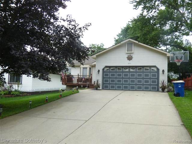 253 Florawood Boulevard, Waterford Twp, MI 48327 (#2210060922) :: Real Estate For A CAUSE