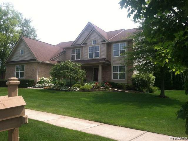 3523 Cranberry Drive, Commerce Twp, MI 48382 (#2210060970) :: The Alex Nugent Team | Real Estate One