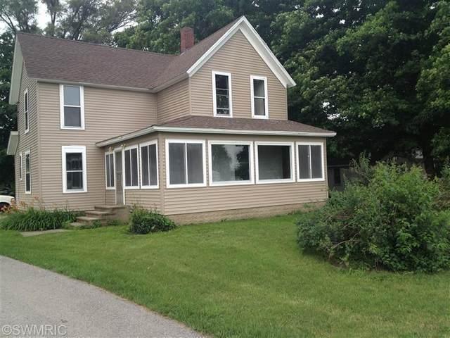 1085 E Chicago Rd, Quincy Twp, MI 49082 (#62021097151) :: Duneske Real Estate Advisors