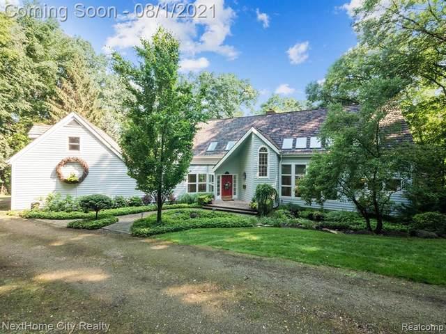 1701 Washington Road, Rochester Hills, MI 48306 (#2210061158) :: GK Real Estate Team