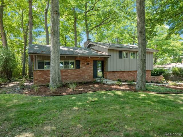 357 Kendry, Bloomfield Twp, MI 48302 (#2210061161) :: The Alex Nugent Team | Real Estate One