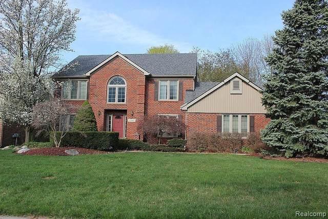 18060 W Northville Trail, Northville Twp, MI 48168 (#2210061387) :: GK Real Estate Team