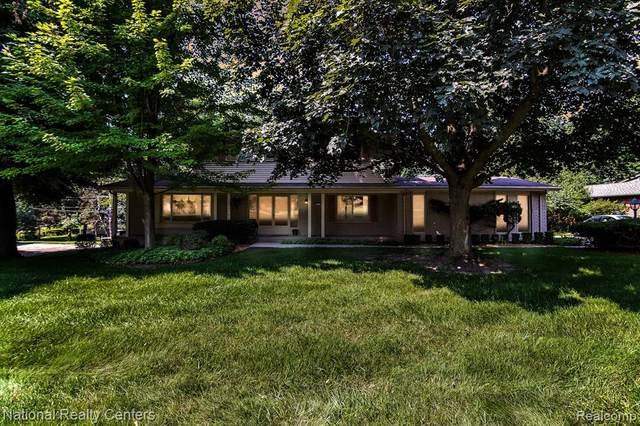 1731 Oakstone Drive, Rochester Hills, MI 48309 (#2210061597) :: GK Real Estate Team