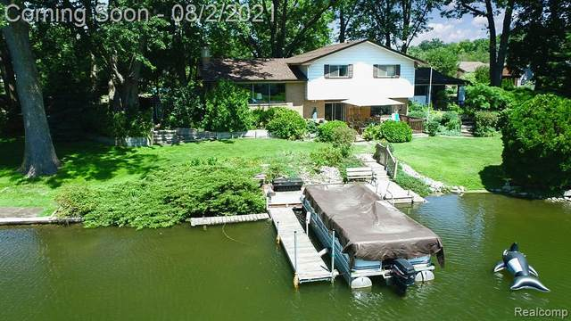1300 Ludean Drive, Highland Twp, MI 48356 (#2210061640) :: GK Real Estate Team
