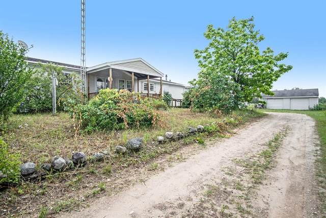 3275 E Polk Road, Elbridge Twp, MI 49420 (#67021095626) :: The Vance Group | Keller Williams Domain