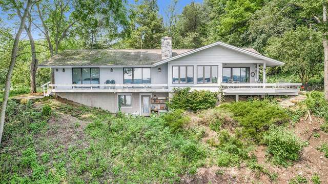 10032 W Gull Lake Drive, Richland Twp, MI 49083 (#66021096633) :: The BK Agency