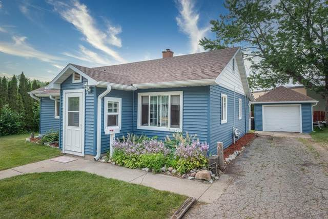 718 Hiways Avenue, South Haven, MI 49090 (#69021096891) :: The Mulvihill Group