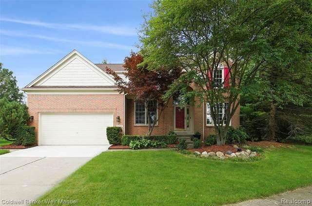 25869 Lochmoor Lane, Novi, MI 48374 (#2210062048) :: GK Real Estate Team