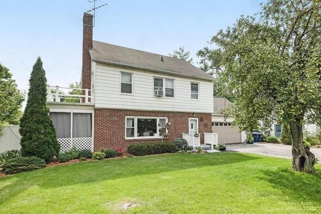 1652 N Maple Road, Ann Arbor, MI 48103 (#543282983) :: BestMichiganHouses.com