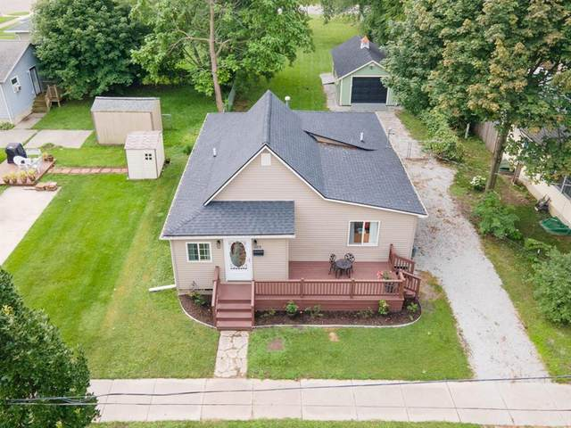 328 Fruit Street, South Haven, MI 49090 (#69021097853) :: The Mulvihill Group