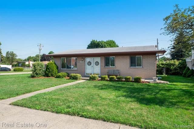 39682 E Ann Arbor Trail, Plymouth Twp, MI 48170 (#2210062204) :: GK Real Estate Team