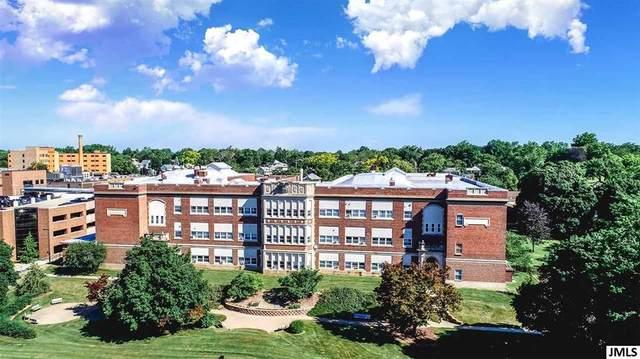 1210 E Michigan Ave, Jackson, MI 49201 (#55021033003) :: Novak & Associates
