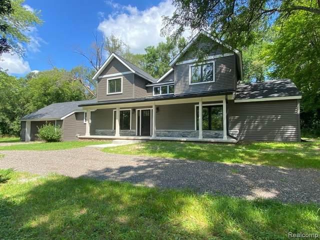5701 White Lake Road, White Lake Twp, MI 48383 (#2210062810) :: National Realty Centers, Inc