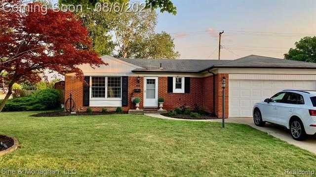 12040 Greenway Drive, Sterling Heights, MI 48312 (#2210062831) :: Keller Williams West Bloomfield