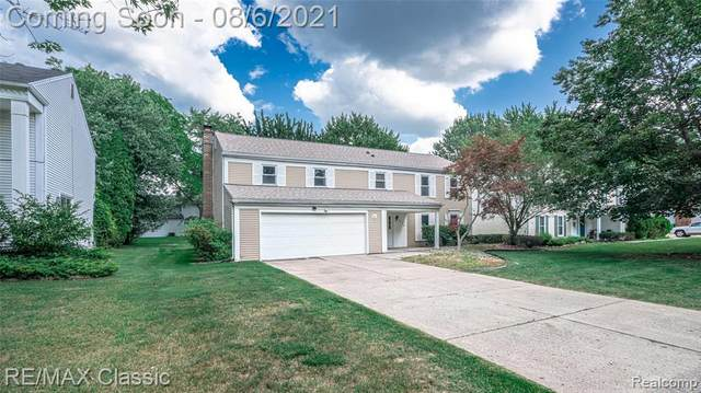 5548 S Piccadilly, West Bloomfield Twp, MI 48322 (#2210063206) :: RE/MAX Nexus