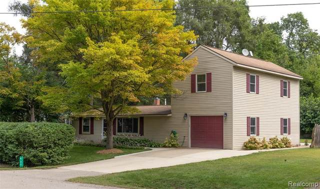 937 Vernita Drive, Orion Twp, MI 48362 (#2210063215) :: GK Real Estate Team