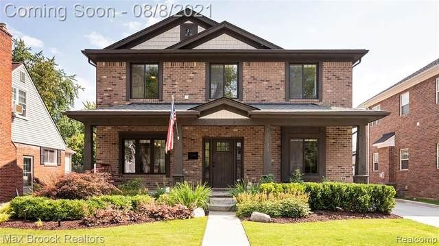 10133 Hart Avenue, Huntington Woods, MI 48070 (#2210063522) :: RE/MAX Nexus