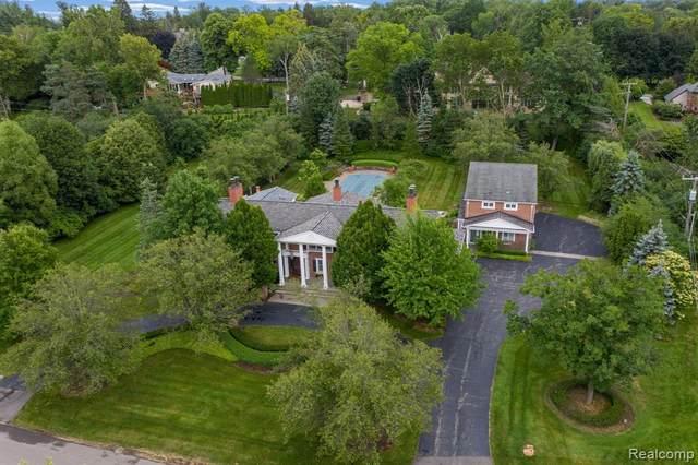 755 Kennebec Court, Bloomfield Hills, MI 48009 (#2210063546) :: Novak & Associates