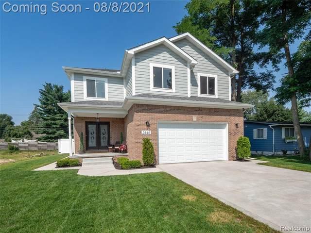 2446 Eastern Avenue, Rochester Hills, MI 48307 (#2210063975) :: RE/MAX Nexus