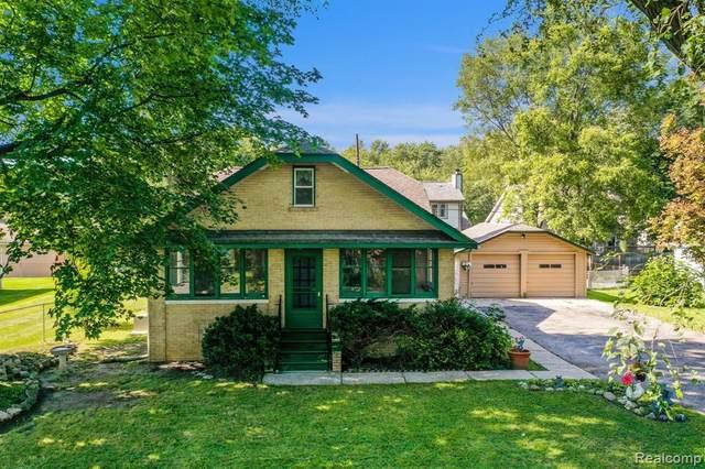 976 Ocallo Street, Waterford Twp, MI 48327 (#2210064090) :: GK Real Estate Team