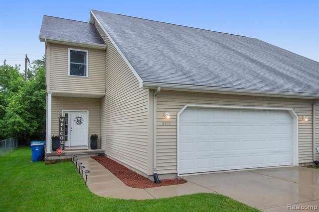 6453 Williams Lake Road, Waterford Twp, MI 48329 (#2210065924) :: National Realty Centers, Inc