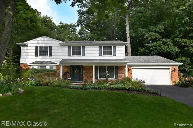 2823 Aspen Lane, Bloomfield Twp, MI 48302 (#2210066220) :: GK Real Estate Team