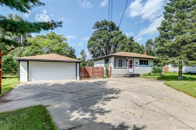 3084 Reeder Road, Independence Twp, MI 48346 (#2210066246) :: National Realty Centers, Inc