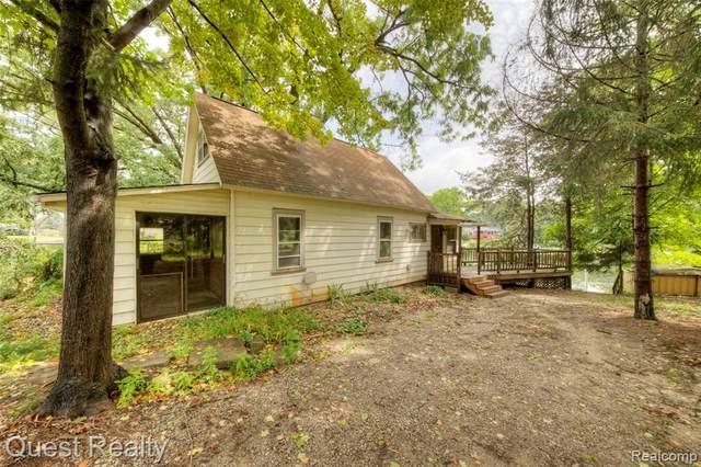 65 Mill Street, White Lake Twp, MI 48386 (#2210066268) :: The Vance Group   Keller Williams Domain