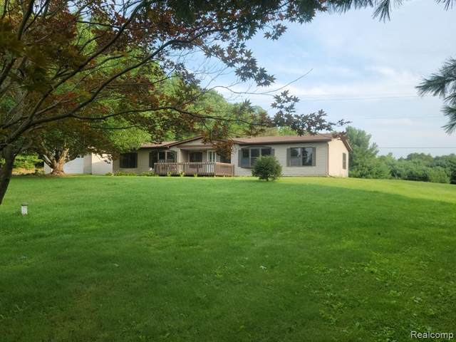 3470 Patterson Lake Road, Putnam Twp, MI 48169 (#2210067056) :: The Vance Group | Keller Williams Domain