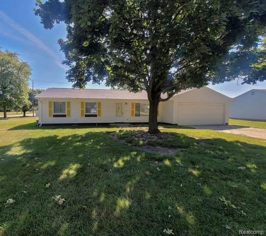 803 S Dayton Street, Davison, MI 48423 (#2210067364) :: The Vance Group | Keller Williams Domain