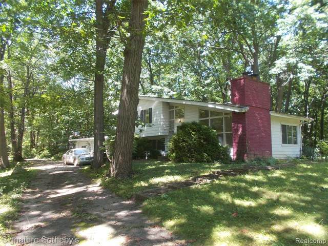 4870 Crestview Drive, Independence Twp, MI 48348 (#2210067694) :: The Vance Group | Keller Williams Domain