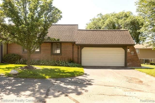 942 New Haven Court, Northville, MI 48167 (#2210068946) :: Duneske Real Estate Advisors