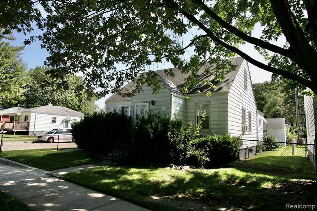 24308 Schroeder Avenue, Eastpointe, MI 48021 (#2210069088) :: The Vance Group | Keller Williams Domain