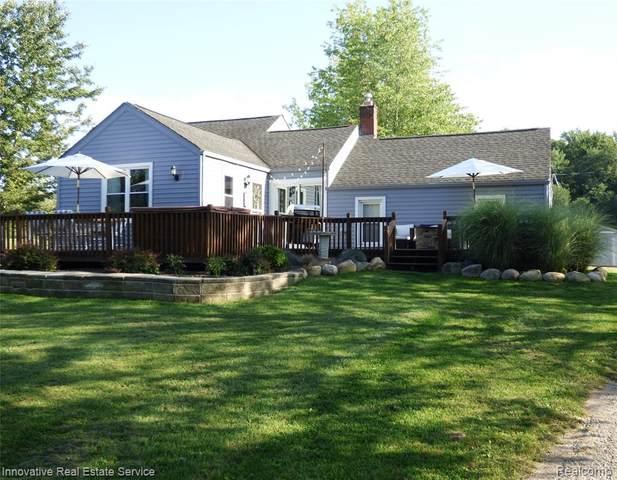 7652 Hollow Corners Road, Almont Twp, MI 48003 (#2210070031) :: The Vance Group   Keller Williams Domain