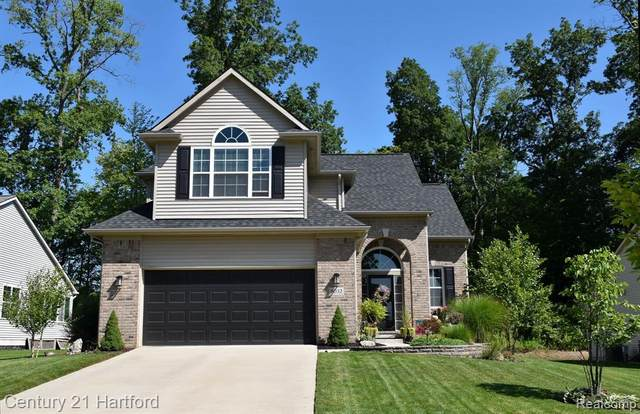 8032 Ivy Glen Park, White Lake Twp, MI 48386 (#2210071270) :: GK Real Estate Team