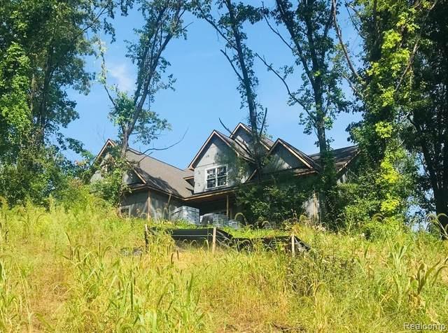 5895 Mountain Top Drive, Genoa Twp, MI 48116 (#2210072150) :: The Vance Group | Keller Williams Domain