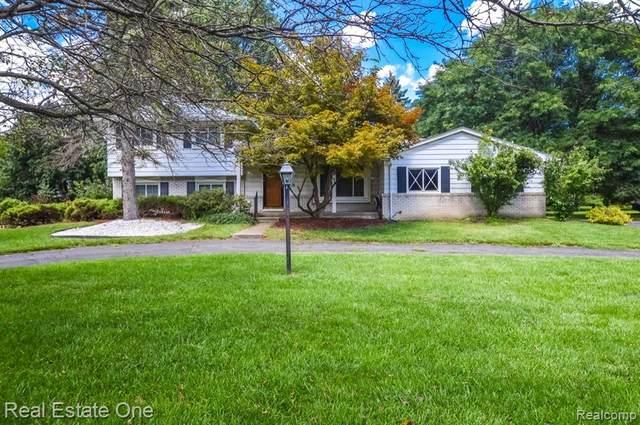 34056 W 13 MILE Road, Farmington Hills, MI 48331 (#2210072465) :: GK Real Estate Team