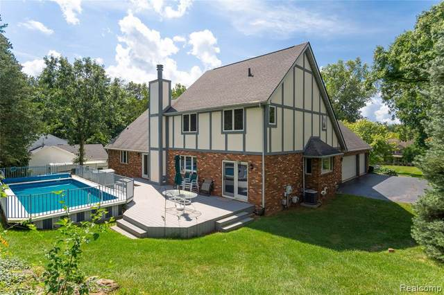 11290 Nora Drive, Tyrone Twp, MI 48430 (#2210072782) :: GK Real Estate Team