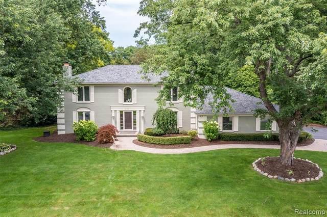 820 Willoway Estates Drive, Bloomfield Twp, MI 48302 (#2210073115) :: The Vance Group   Keller Williams Domain