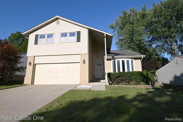 24536 Knollwood Street, Novi, MI 48375 (#2210073379) :: Duneske Real Estate Advisors