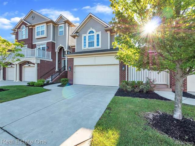 6531 Berry Creek Lane, West Bloomfield Twp, MI 48322 (#2210073723) :: Real Estate For A CAUSE