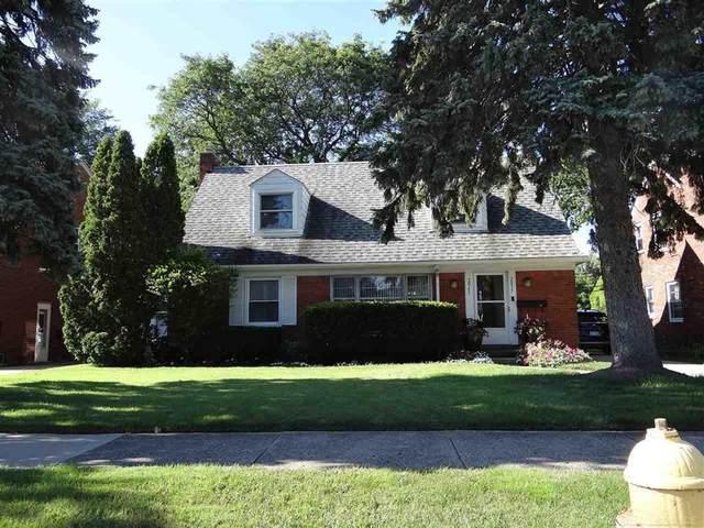 2037 Vernier, Grosse Pointe Woods, MI 48236 (#58050053997) :: GK Real Estate Team
