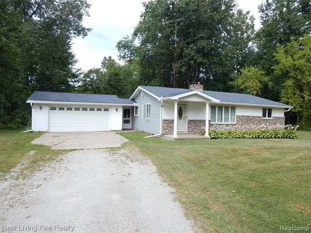 2075 Michigan Road, Port Huron Twp, MI 48060 (#2210074139) :: GK Real Estate Team