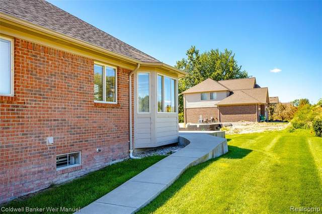 50671 Summit View Dr, Macomb Twp, MI 48042 (#2210074609) :: GK Real Estate Team