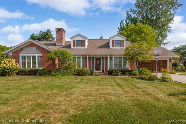 34 Fontana Lane, Village of Grosse Pointe Shores, MI 48236 (#2210074791) :: GK Real Estate Team