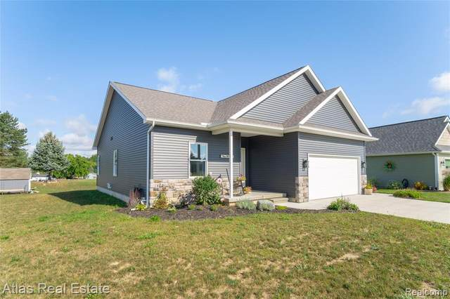 383 Golfside Dr, Lapeer, MI 48446 (#2210074813) :: Real Estate For A CAUSE