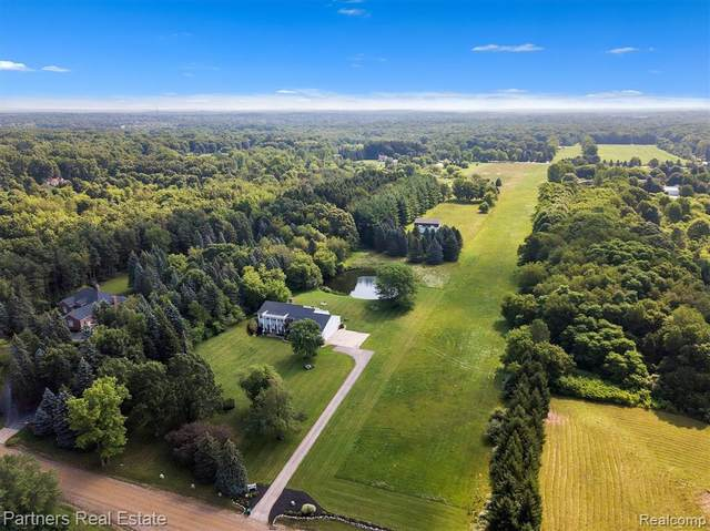 152 Gulley Road, Oceola Twp, MI 48843 (#2210074864) :: The Vance Group | Keller Williams Domain